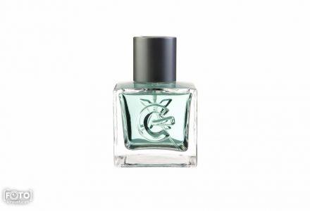 Zdjęcia perfum przed obróbką